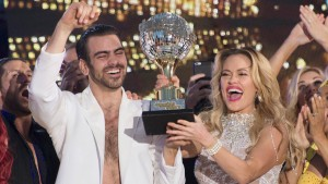 Nyle Dimarco wins Dancing with the Stars